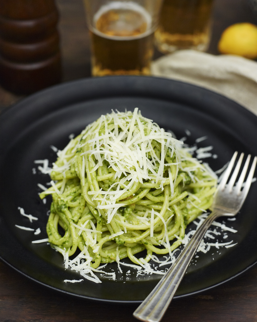 spaghetti with arugula pesto-CF055984